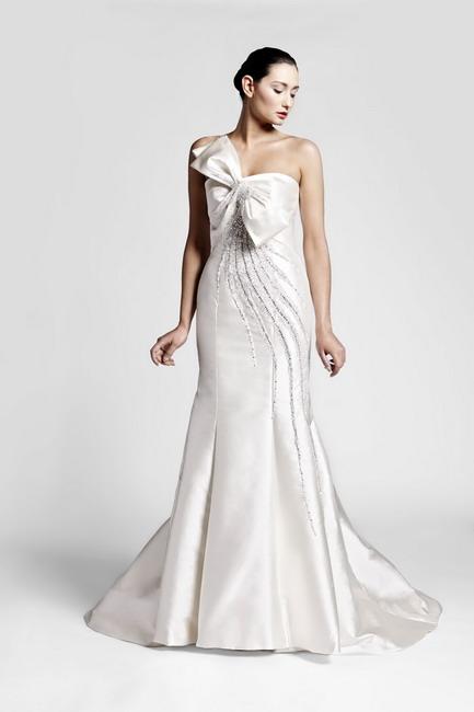 d34a500d0f9c Fausto Sarli   una collezione minimal chic per gli abiti da sposa ...