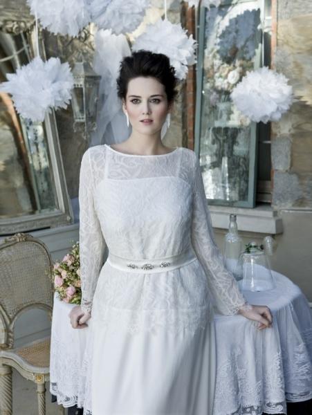 """""""Marina Rinaldi Le Spose"""" è una capsule collection dal carattere  determinato e distinto  sono abiti da sposa sartoriali ed armoniosi 5ed2af323c2"""