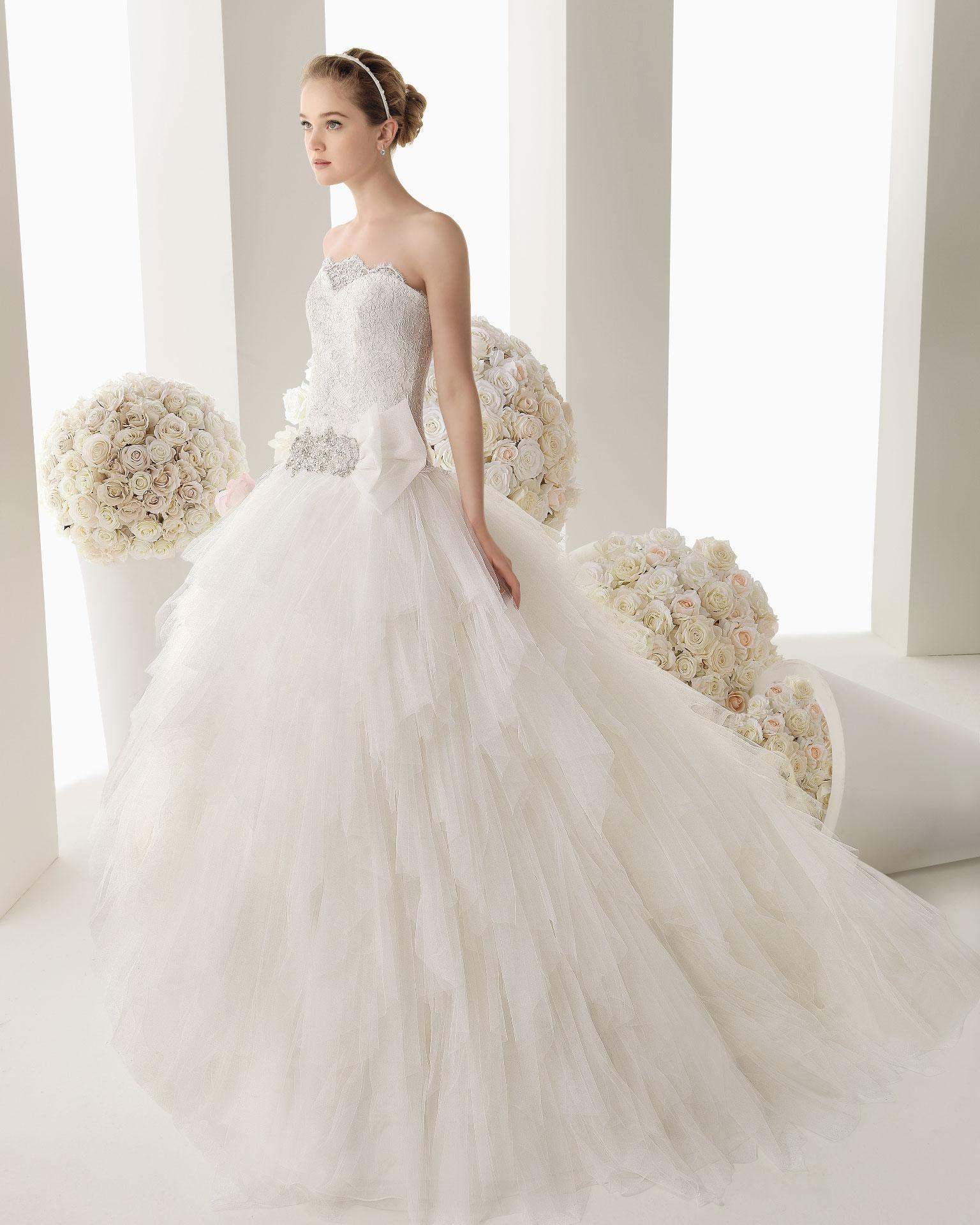 85e5ed2ca144 Rosa Clara collezione 2014 Two abiti sposa modello Mauro