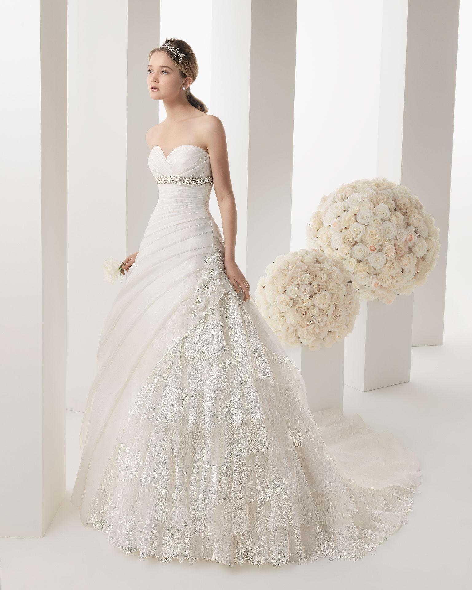 a3f12e0e07e0 Rosa Clara collezione 2014 Two abiti sposa modello Melody
