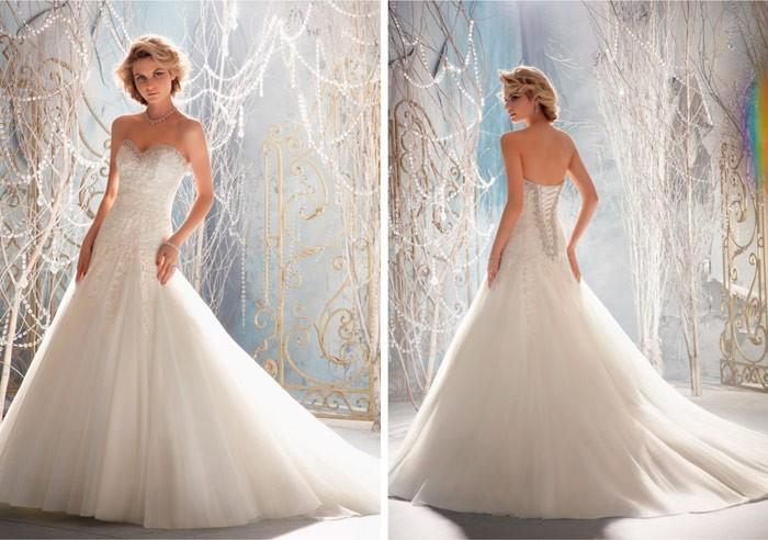 ... di abiti da sposa sensuali e romantici 001c7fc278c