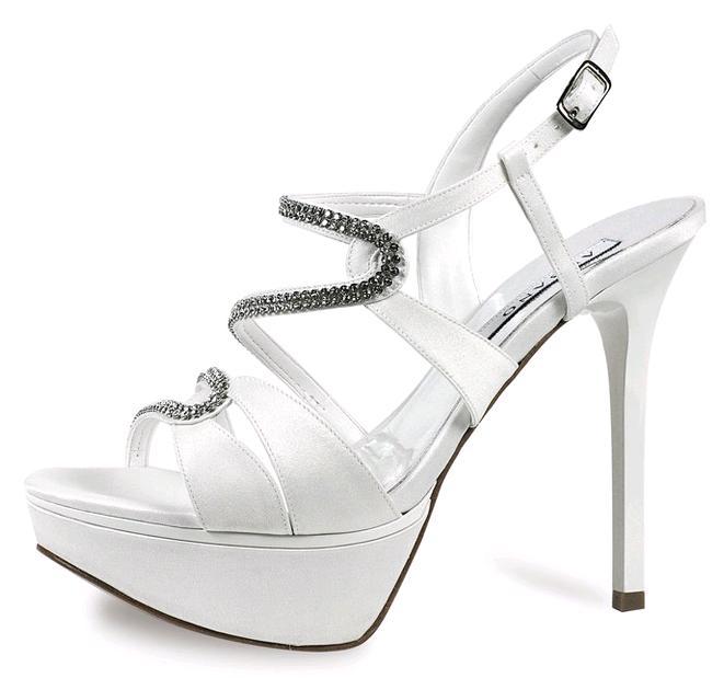 La collezione chic e raffinata di scarpe da sposa 2014 griffate Albano  219bb39e445