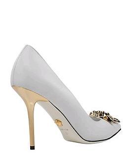 b1f02974fb8d Le decollete Idol di Versace   un idea originale per scarpe da sposa chic