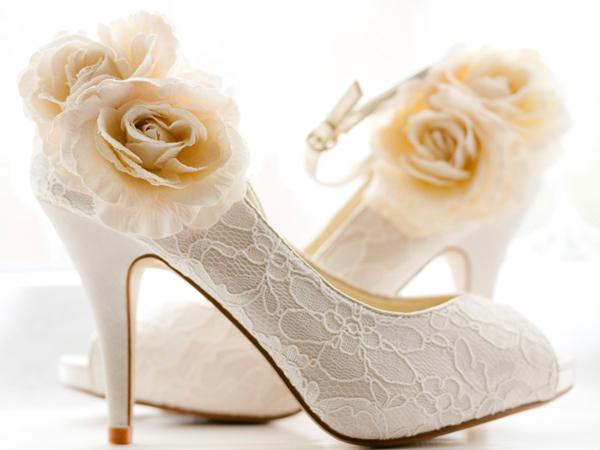 Pizzo fiori rose scarpe sposa