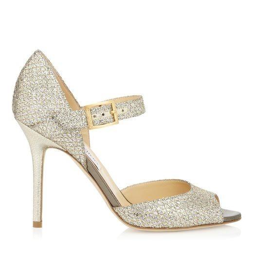 ... calzature da sposa Jimmy Choo sono un alternativa idonea per la una  sposa moderna e romantica 7007deba1e7