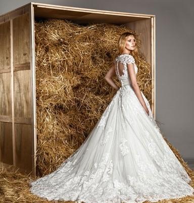 325f1da71db4 Zuhair Murad   una collezione bridal primavera – estate 2015 romantica e  seducente