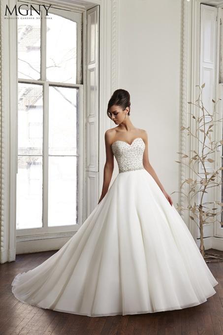 Madeline Gardner New York 2015 è la collezione ideale per una sposa  romantica 8a19909d3ec