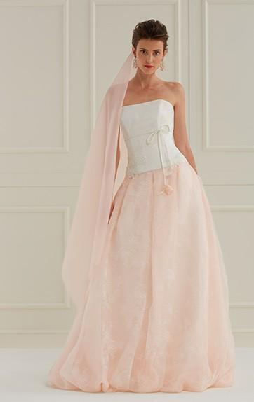 Abiti da sposa rosa e bianco