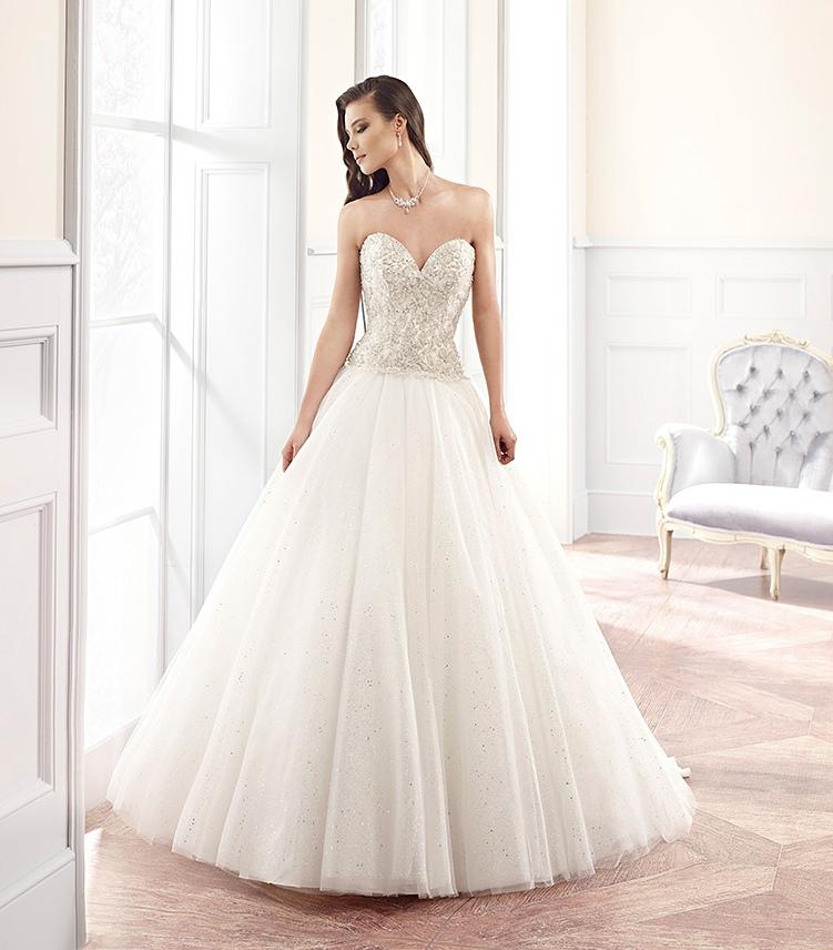 Published on 3 novembre 2014 By bridal Eddy K : abiti da sposa