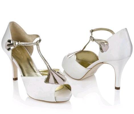 Rachel Simpson   le versatili scarpe da sposa Carmen tra eleganza moderna e  vintage d994ca19c35