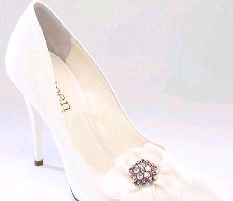 O Pen di Penrose   scarpe da sposa gioiello per brillare splendenti nel  giorno più bello c3e048af44b