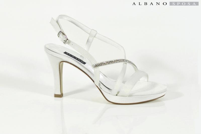 Décolleté+Petite+Mendigote+BARBADE+Beige+195. Scarpe Da Cerimonia ALBANO  Donna N. Numero Scarpa bianco perla con Swarovski. Vendo scarpe da montagna  unisex ... 5b03f519b80