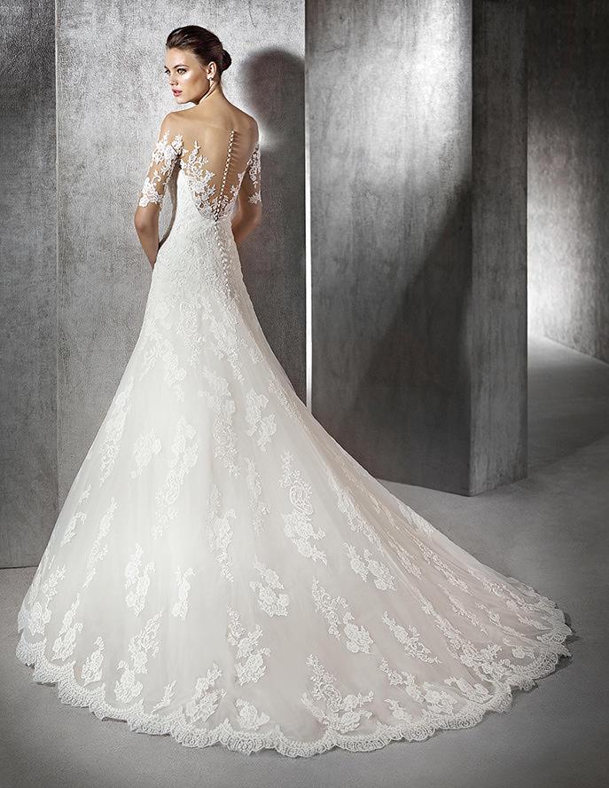 32b99c3e59f7 St. Patrick   la nuova collezione di abiti da sposa in tema Pronovias 2016