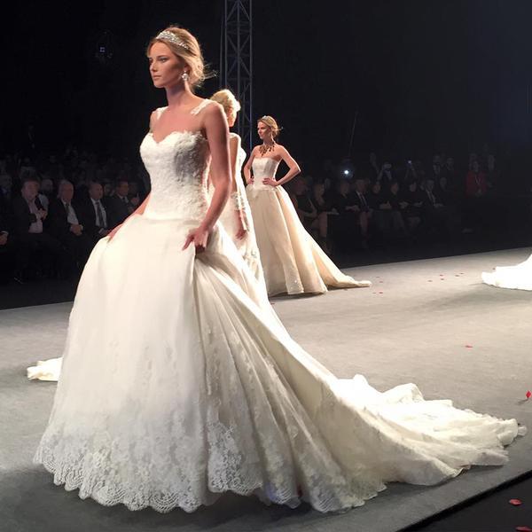 3d9e9aa37356 Alessandra Rinaudo Nicole Spose collezione 2017 abiti sposa3
