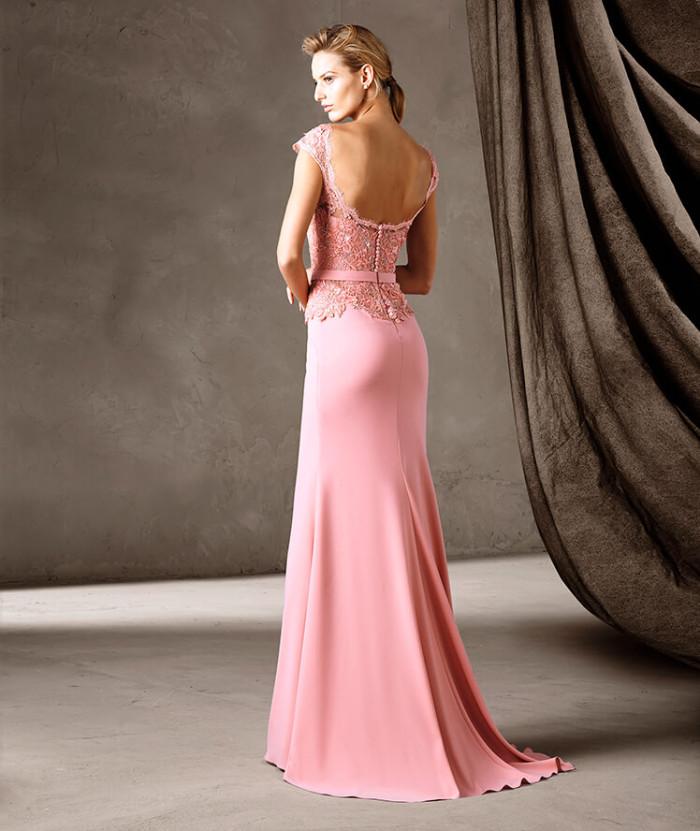 Pronovias   gli abiti eleganti della nuova collezione Cerimonia 2017 ... b46be42eecf