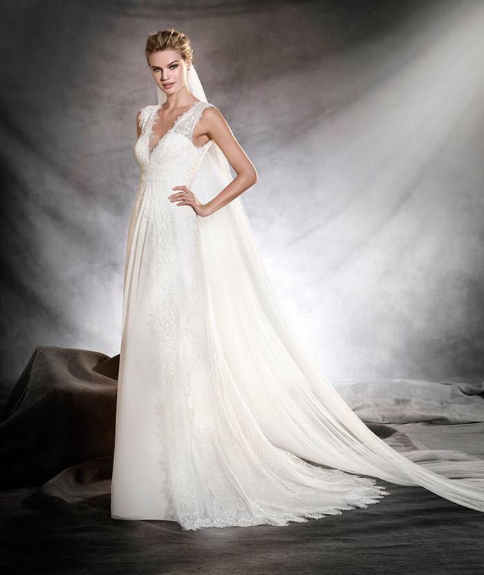 """397e6e19bf0a Pronovias   la collezione """"classica"""" 2017 di abiti da sposa"""
