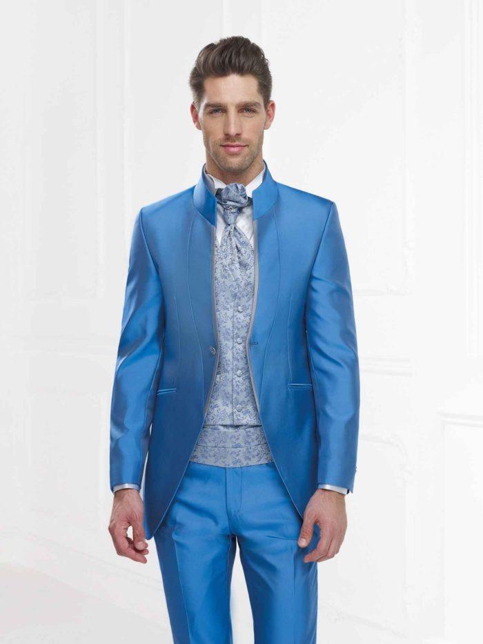 Andrea Versali   eleganza ricercata e moderna per gli abiti da sposo ... 0343ff2d25c