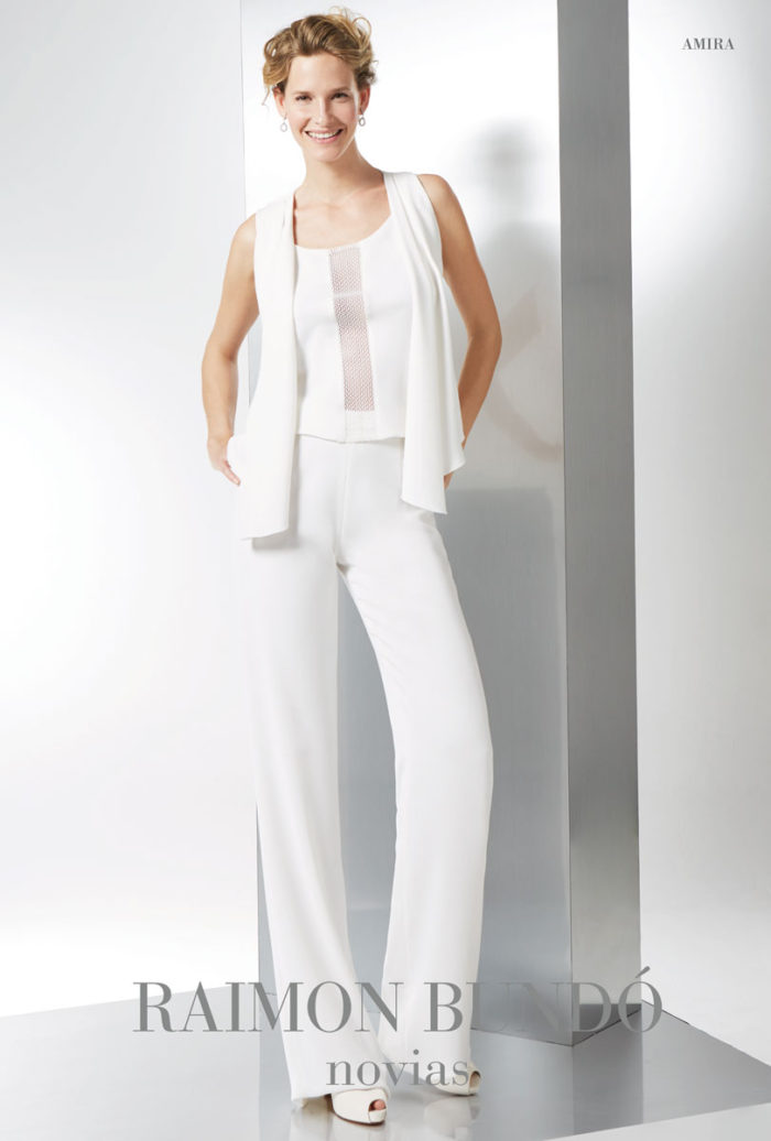 abito-sposa-Raimon Bundo-modello-amira