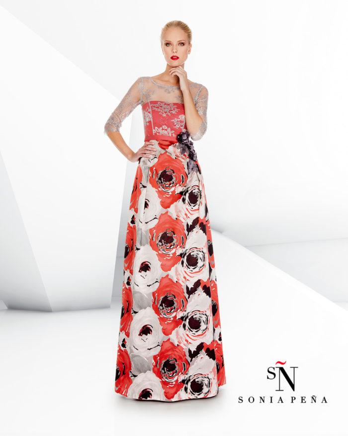 Sonia Pena   la preview della collezione 2017 di abiti eleganti e da  cerimonia  9bc9f52ea15