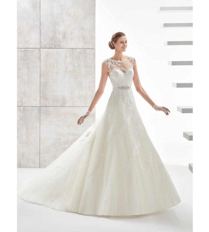 Nicole Spose   uno charme moderno dal sapore senza tempo per gli abiti da  sposa della collezione Aurora 2017  0b91c0d6cb8
