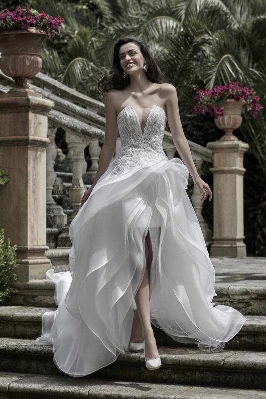 Applicazioni cristalli per abiti da sposa – Abiti in pizzo 3cfba8fabd1