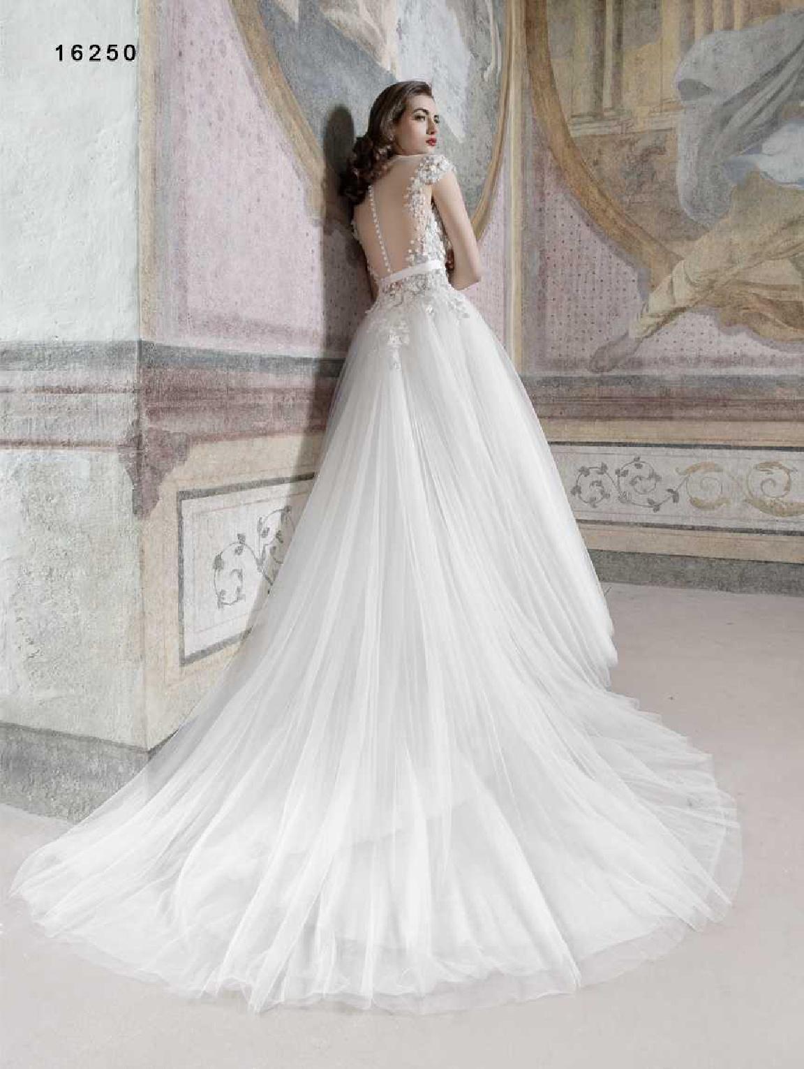 vinni-collezione-2017-abiti-sposa-45  ABITI DA SPOSA