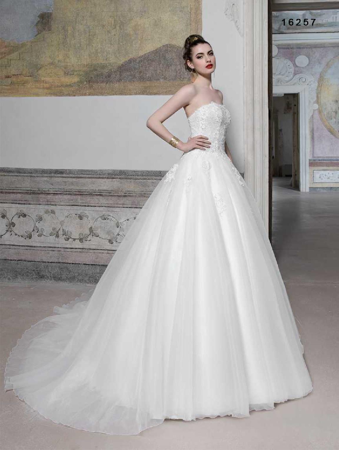 vinni-collezione-2017-abiti-sposa-58  ABITI DA SPOSA