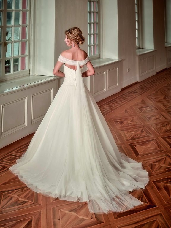 abito-sposa-Diane Legrand-2017-modello-6208-romance-retro