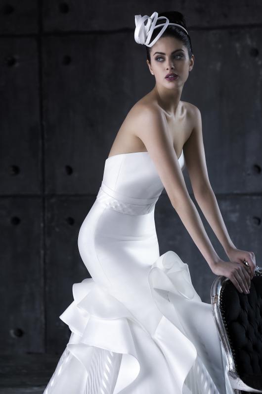 abito-sposa-valentini-egò-2017-modello-Alya