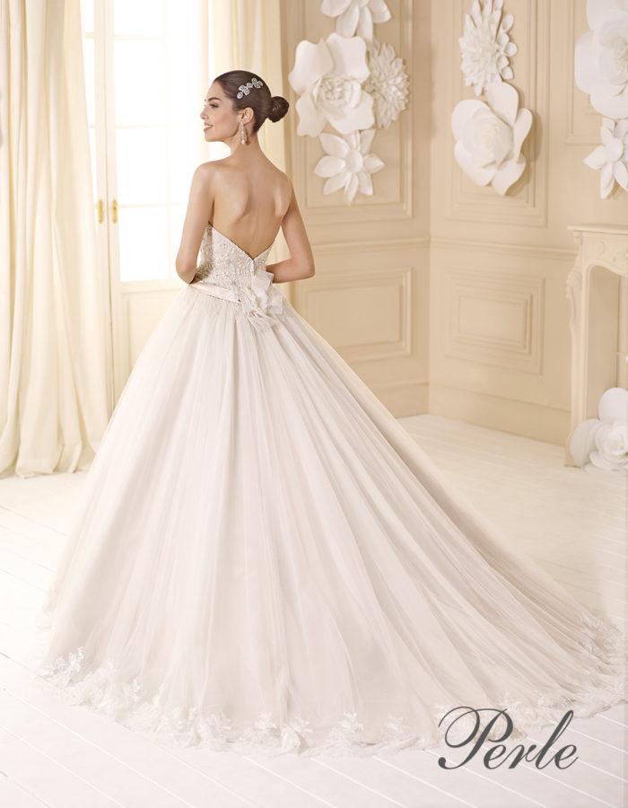 a639770776e9 Delsa Spose   la fresca eleganza romantica della collezione Perle ...