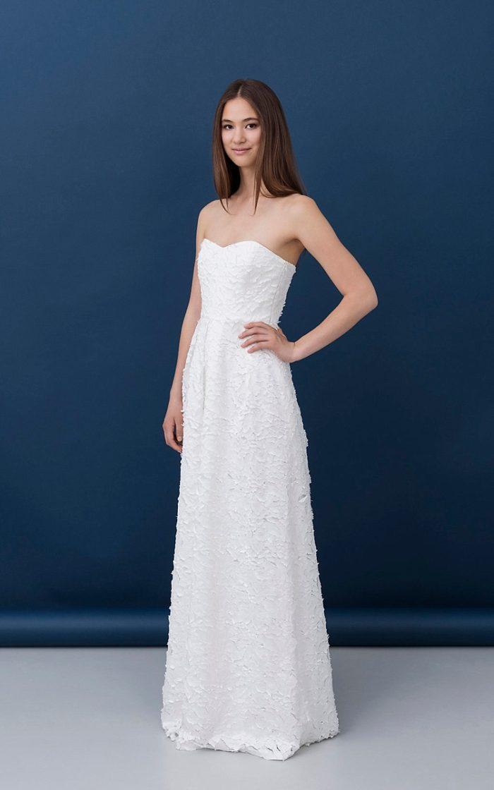 47387506150c non per la principessa classica che la tradizione nuziale caratterizza   questa è la collezione bridal 2017 di Kisui Berlin.
