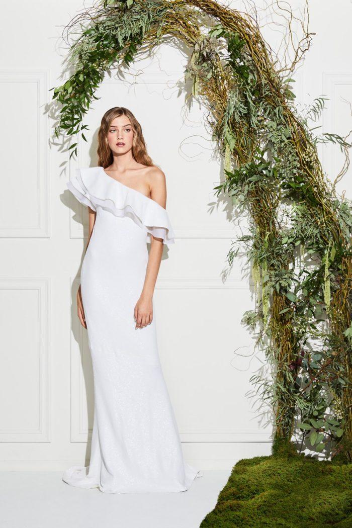 Gli abiti da sposa sono solo l inizio per la nuova linea nuziale di Zoe.  Dopo il lancio iniziale eb75c7a9cd7