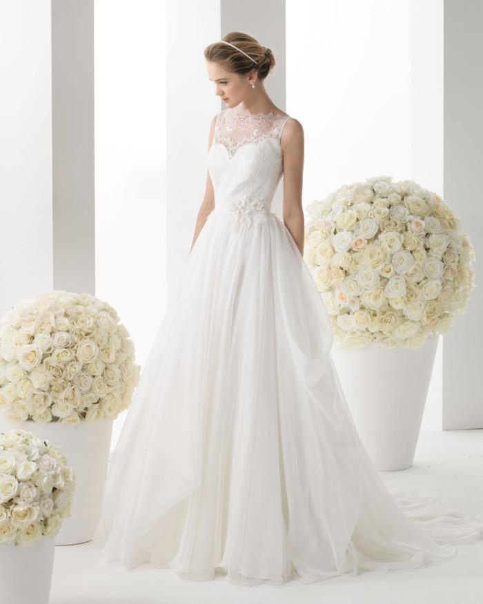 """96fc13f8c8a9 Rosa Clarà   la collezione """"Two"""" di abiti da sposa Spring 2014 ..."""