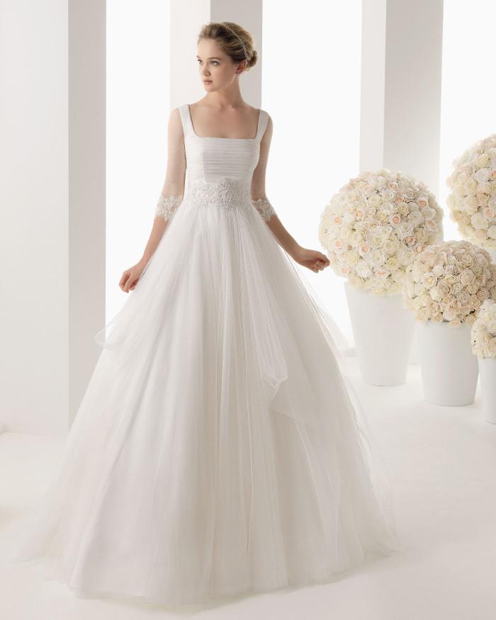 """d2fb19f44a46 Rosa Clarà   la collezione """"Two"""" di abiti da sposa Spring 2014 ..."""