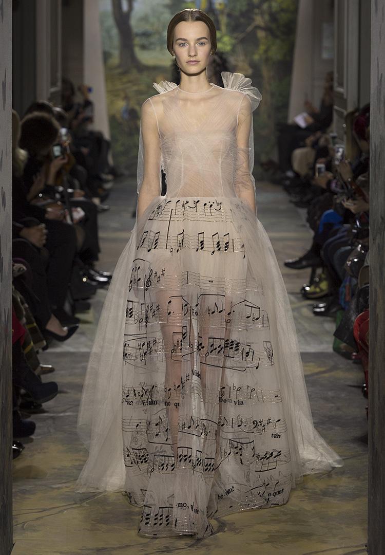 a8ed9ce39747 Valentino collezione primavera estate 2014 haute couture abiti sposa ...