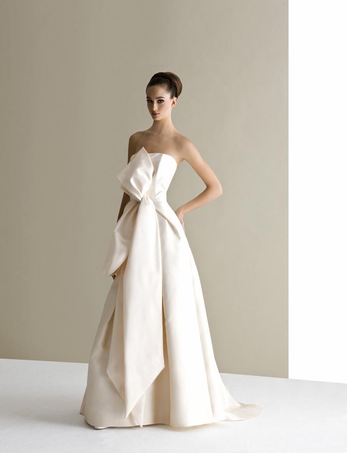 materiali superiori orologio in arrivo Antonio Riva : abiti da sposa tra classico e minimal per la ...