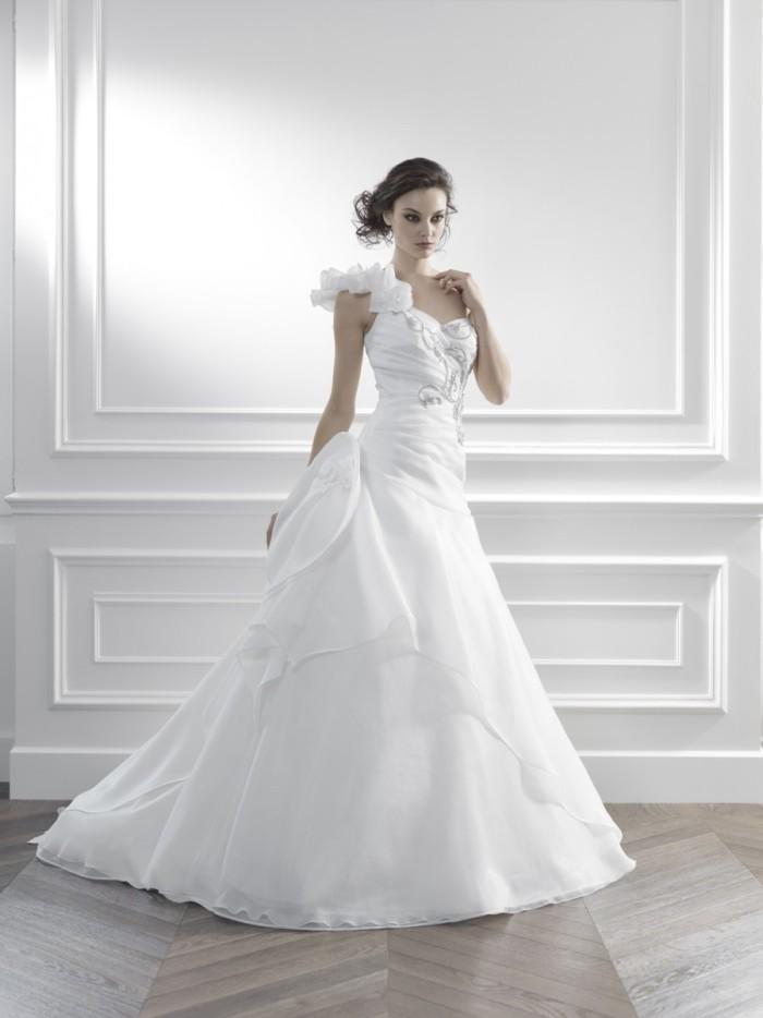 Abiti Da Sposa Kemile.Gritti Spose La Collezione Kemile 2015 Di Abiti Da Sposa Abiti