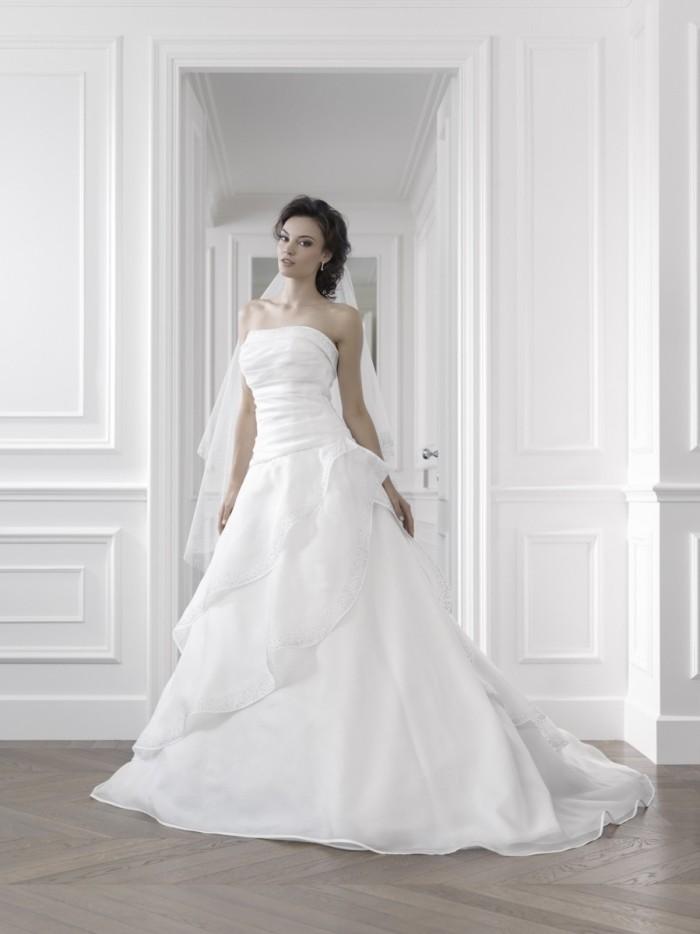 ce245be0dec9 Gritti Spose   la collezione Kemile 2015 di abiti da sposa