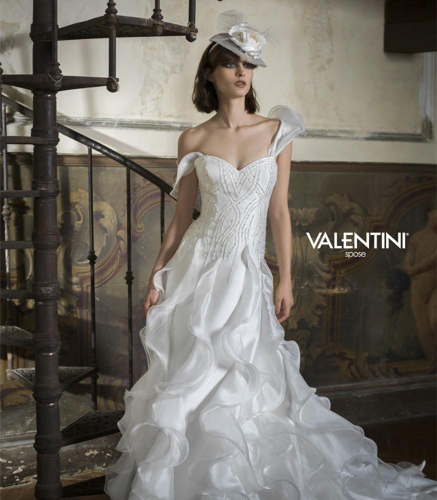 6b30a774830d Valentini Spose collezione 2015 abiti sposa modello Diaspro
