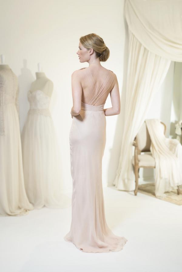58531cf5debc Leila Hafzi   la romantica ed eterea allure dei nuovi abiti da sposa ...