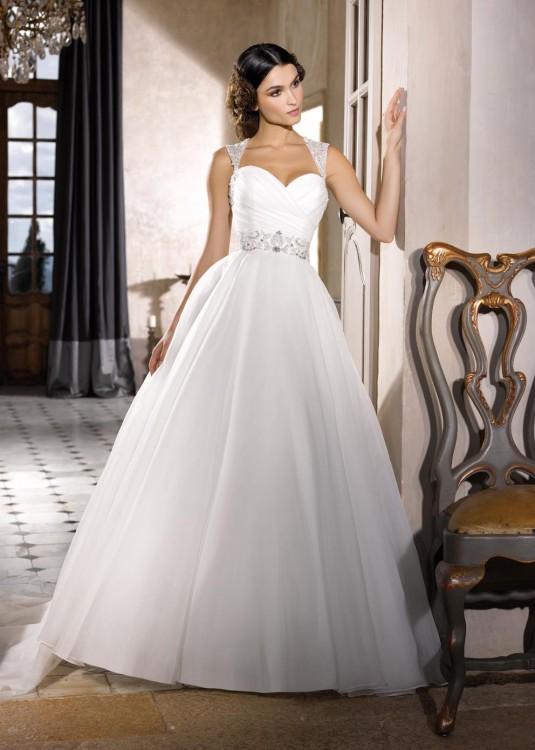 bcdac696e0fd Miss Kelly   abiti da sposa principeschi e romantici per la ...
