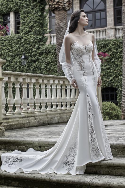 356bd3f9e9b9 ... Valentini 2017 abiti sposa8. Published on 27 Luglio 2016 By bridal Atelier  Valentini   la seduzione romantica del glamour nei nuovi abiti da sposa  della ...