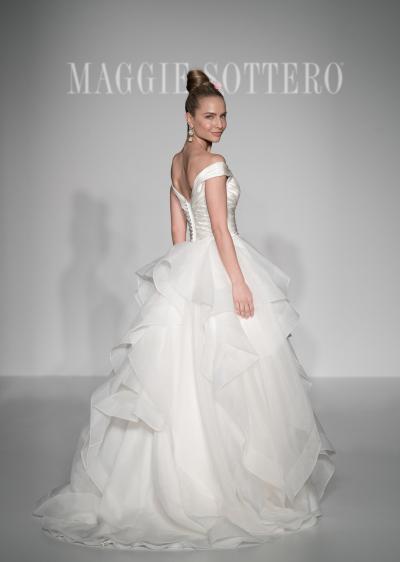 03e4aece08d7 ... perfetta per una sposa moderna e di classe