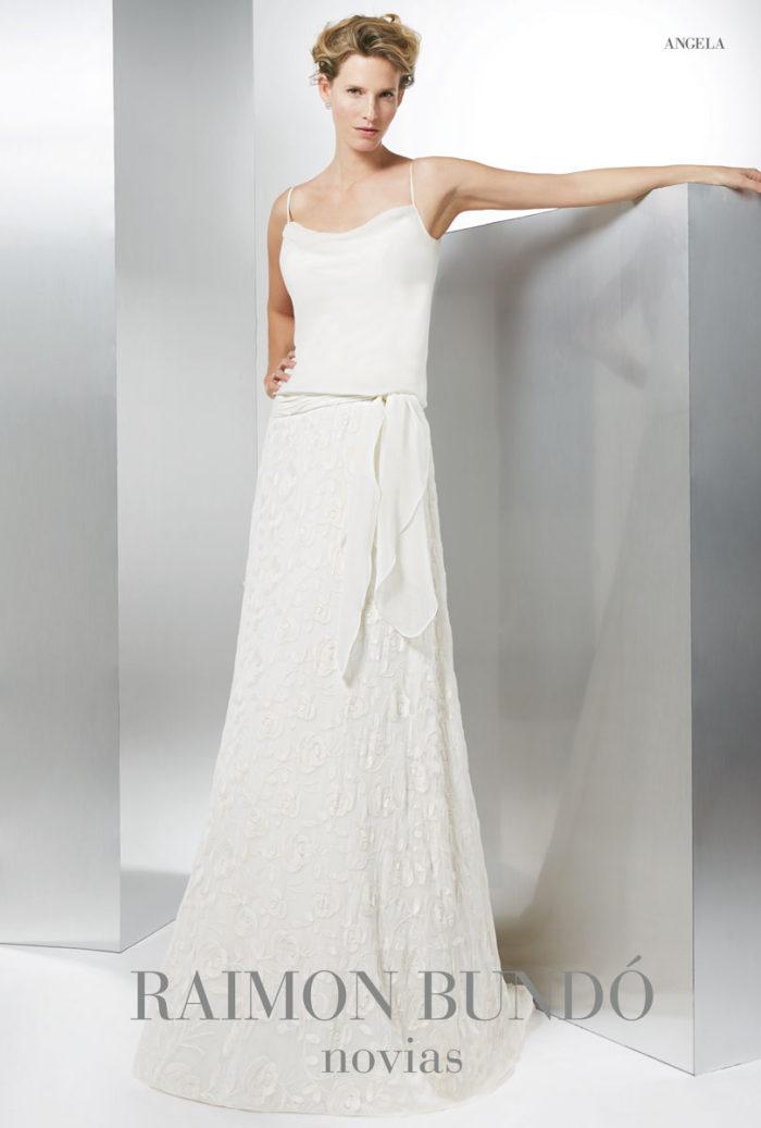 abito-sposa-Raimon Bundo-modello-Angela