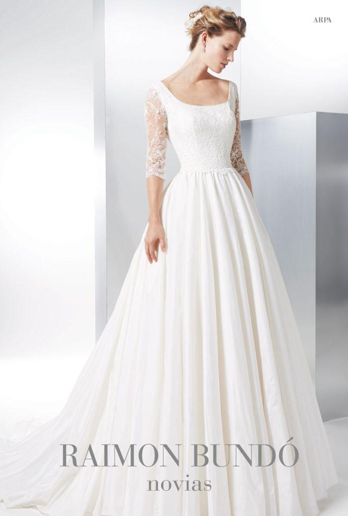 abito-sposa-Raimon Bundo-modello-Arpa