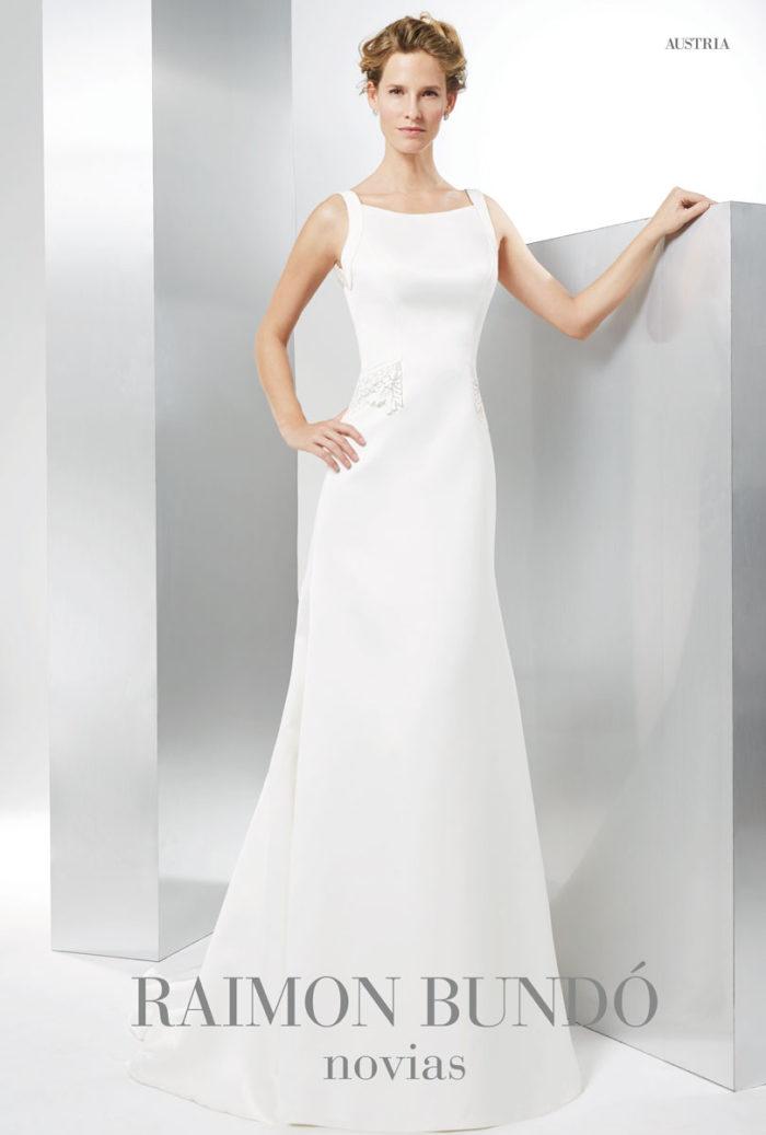 abito-sposa-Raimon Bundo-modello-Austria