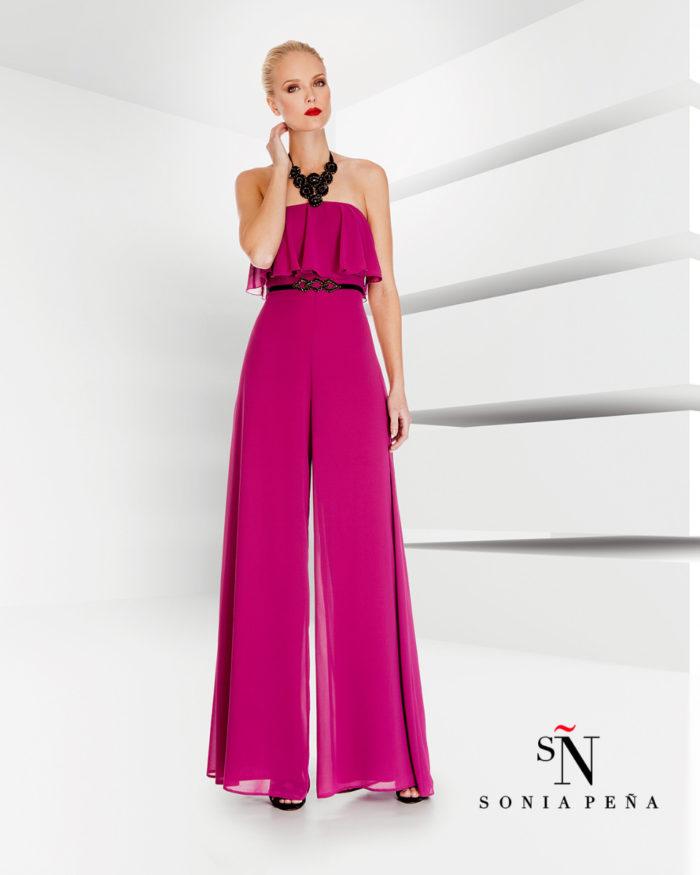cde6d3794b49 Sonia Pena   la preview della collezione 2017 di abiti eleganti e da  cerimonia