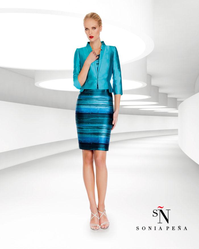 716ee86384d0 Sonia Pena   la preview della collezione 2017 di abiti eleganti e da ...