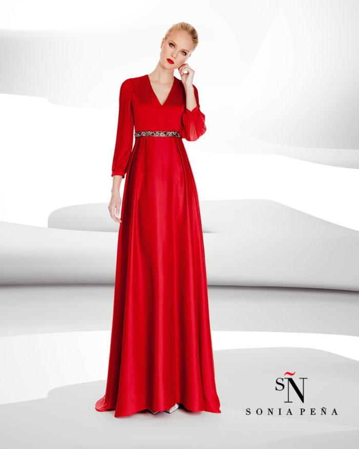 45a47cdda5be Sonia Pena   la preview della collezione 2017 di abiti eleganti e da ...