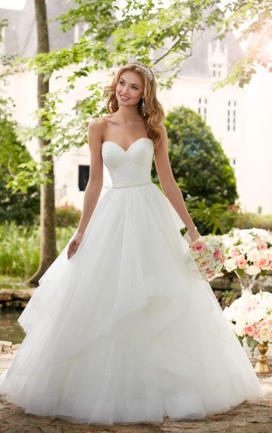 Vestiti Da Sposa Stella York.Stella York Eleganza Romantica Anche Plus Size Per La